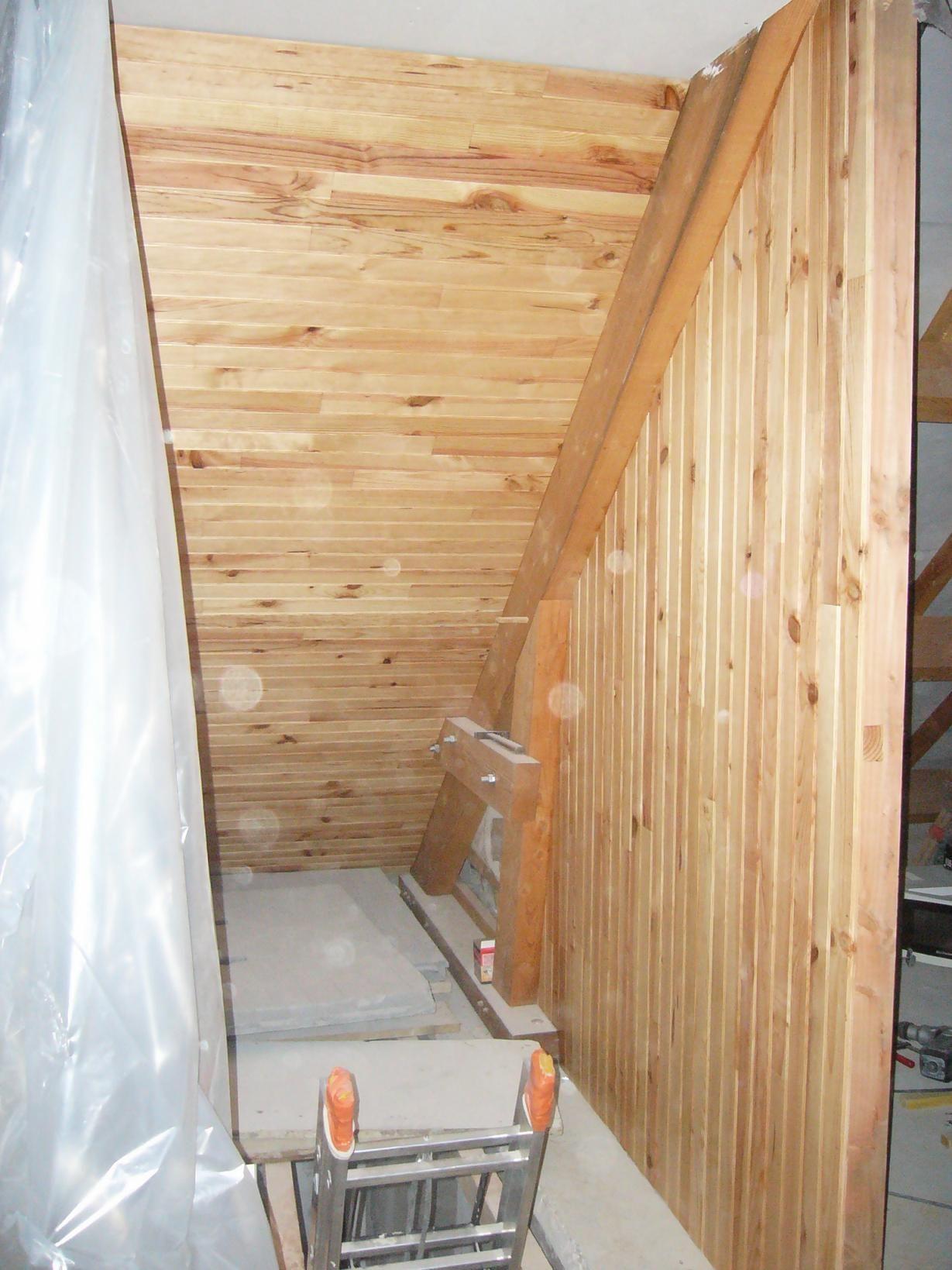 Cage d 39 escalier lambris cage escalier sous sol for Cage escalier